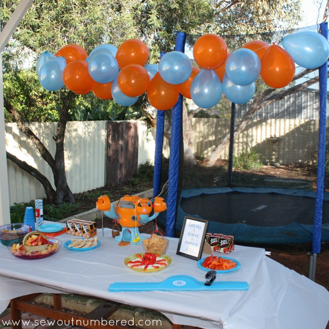 octonauts balloon banner